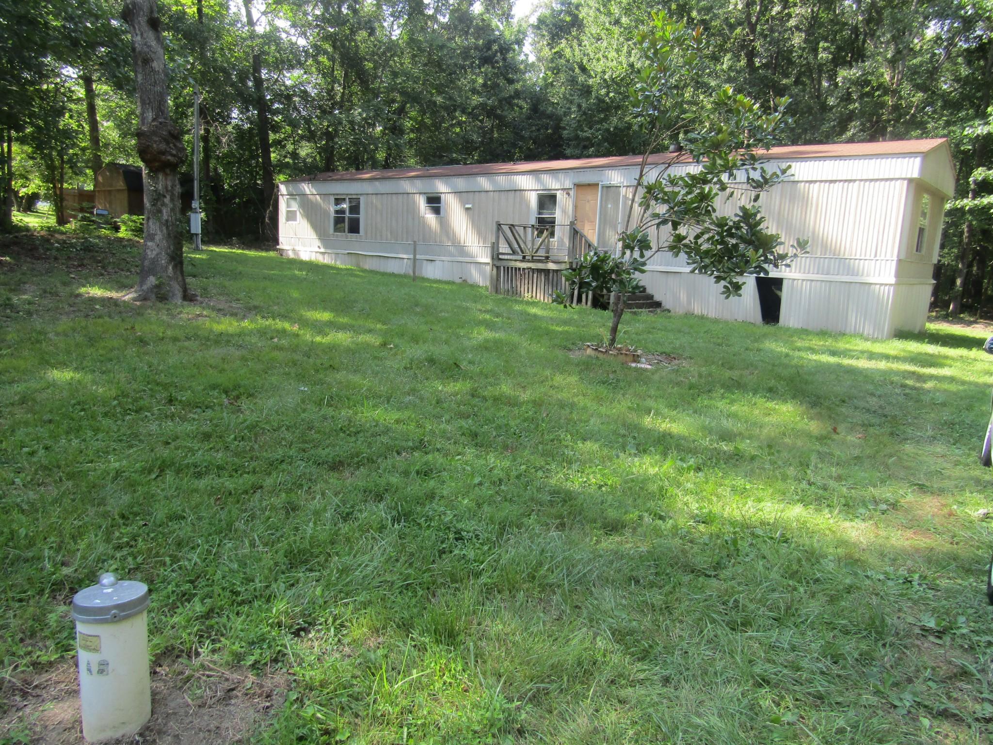 392 Lakewood Dr Property Photo