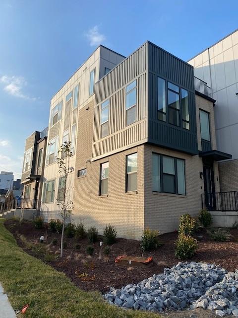 2702 Delaware Ave #noostr Property Photo 1