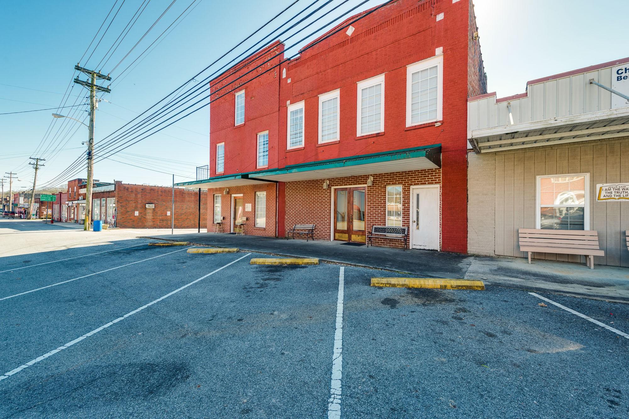 201 Lake Ave Property Photo