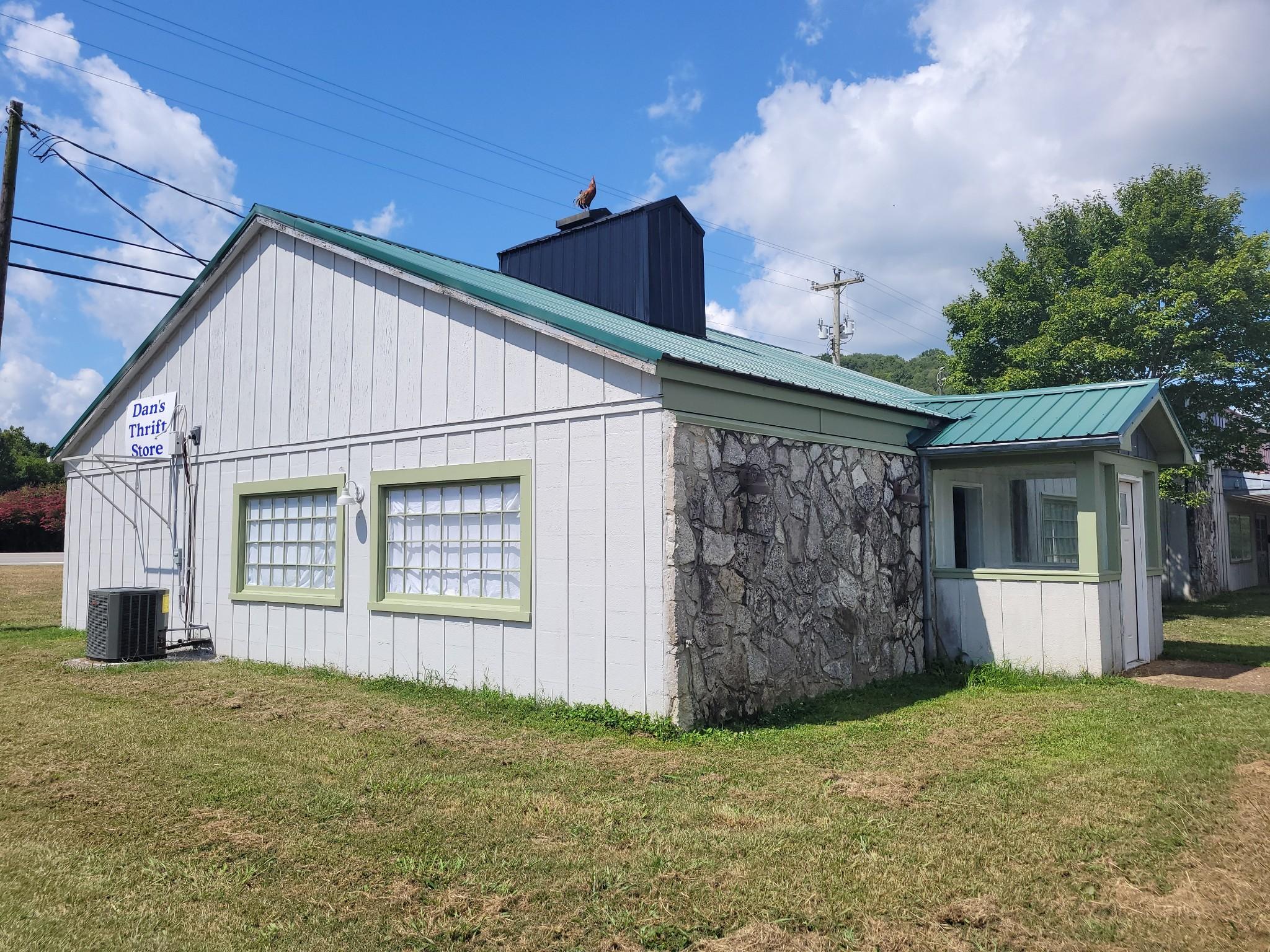 104 Village Sq Property Photo
