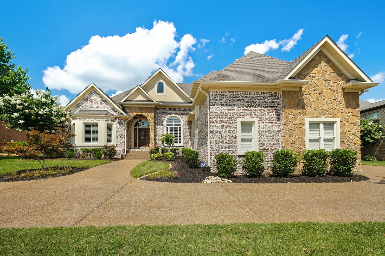603 Ridgecrest Ln Property Photo 1