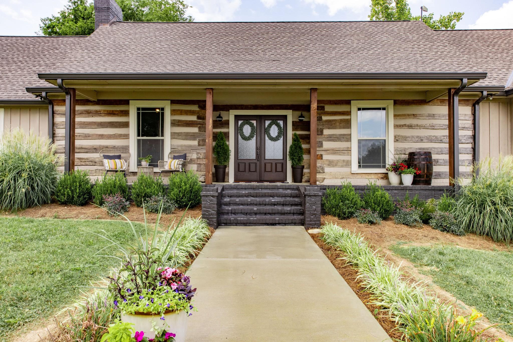 6557 Lamont Rd Property Photo 1