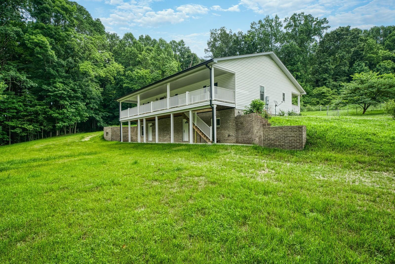 2123 Bear Creek Rd Property Photo