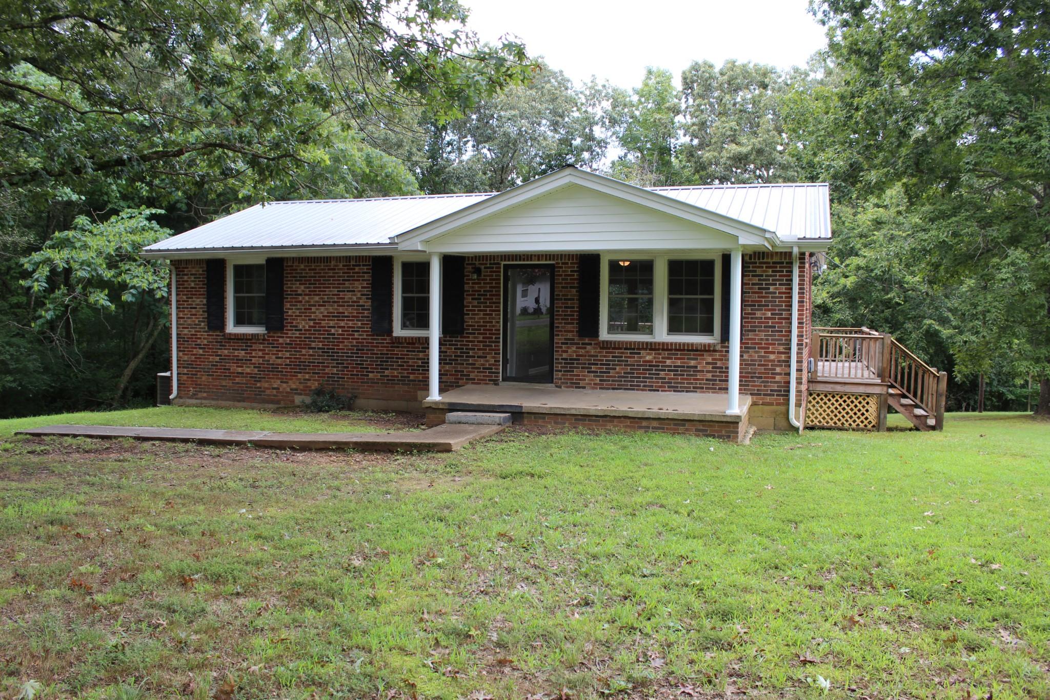 2926 White Oak Dr Property Photo