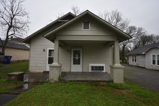 207 Walnut St Property Photo 1