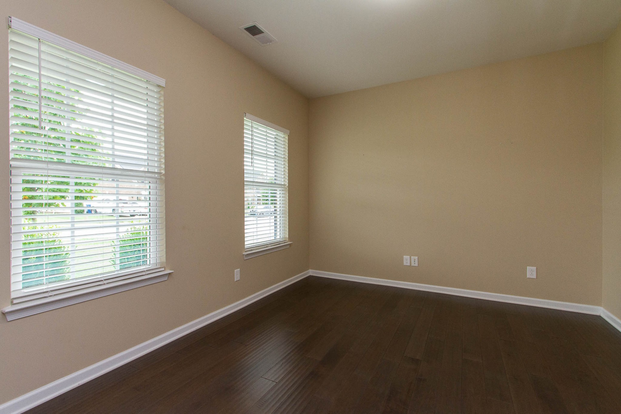 1031 New Eanes Dr Property Photo 7