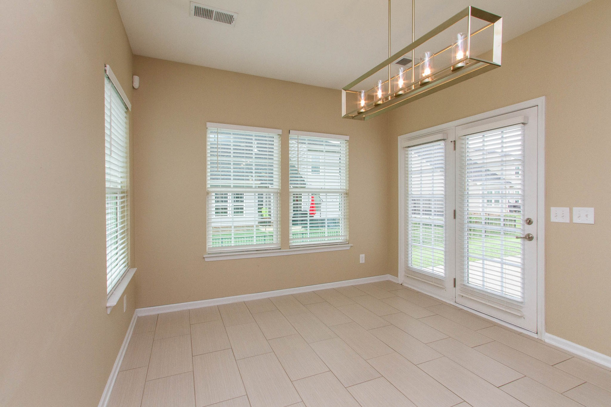 1031 New Eanes Dr Property Photo 19