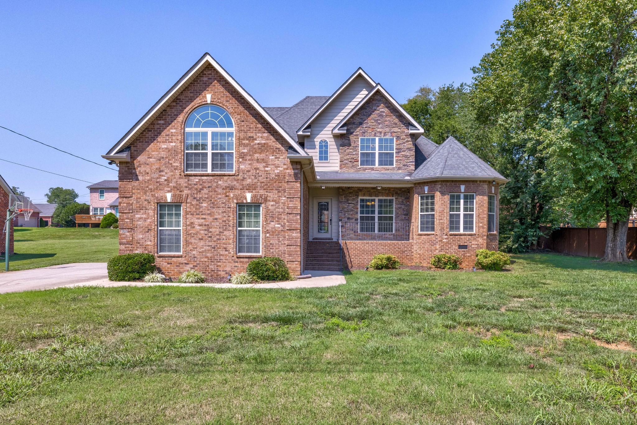 8041 Vineyard Ln Property Photo