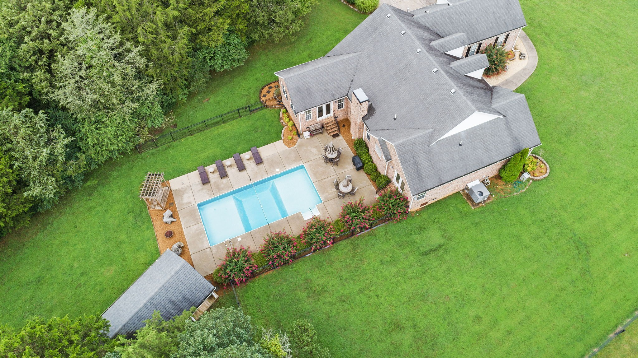 4339 Shores Rd Property Photo 1