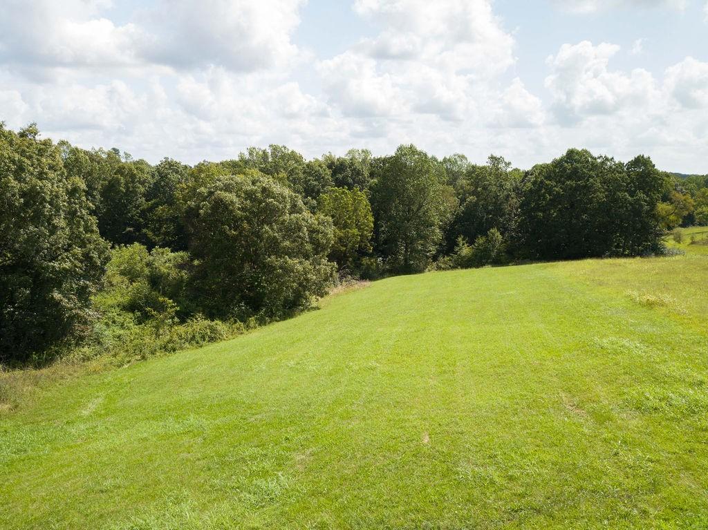 7694 Daugherty Capley Rd Property Photo