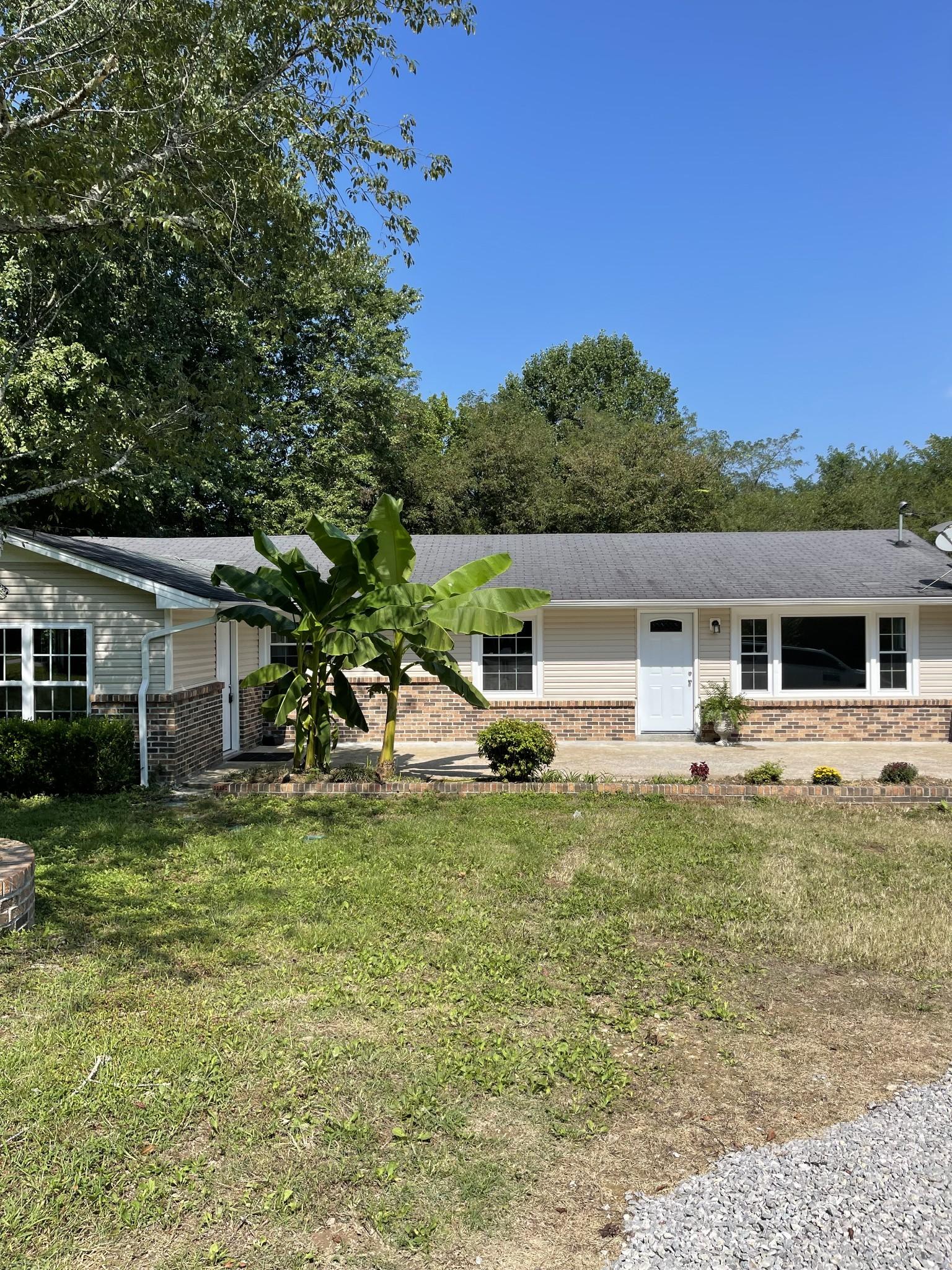 23 White Oak Dr Property Photo
