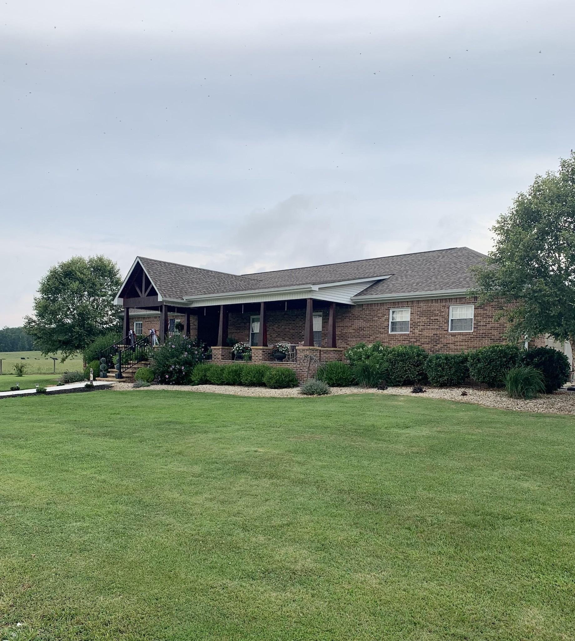 3010 Shelbyville Rd Property Photo