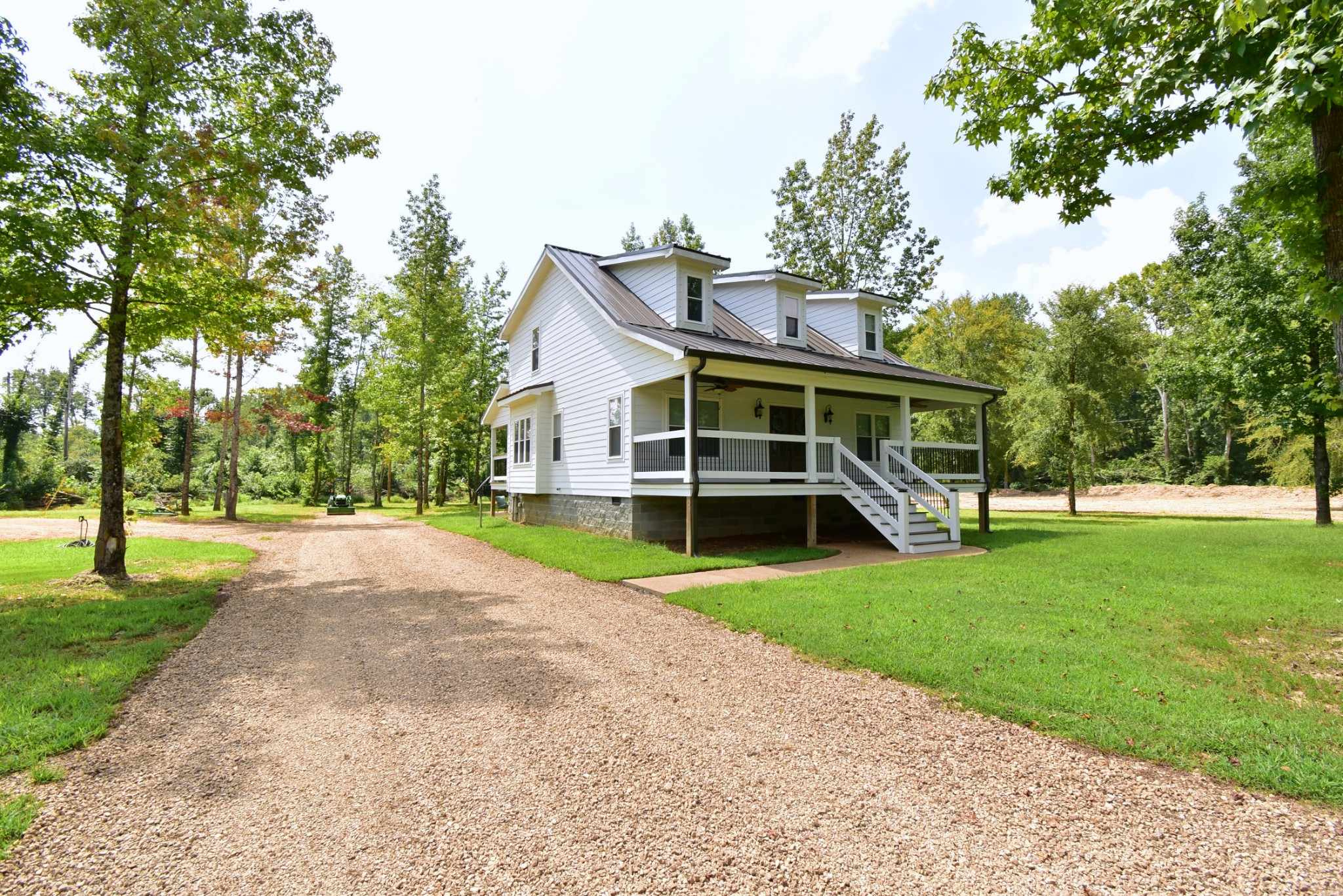 3425 Toms Creek Rd Property Photo