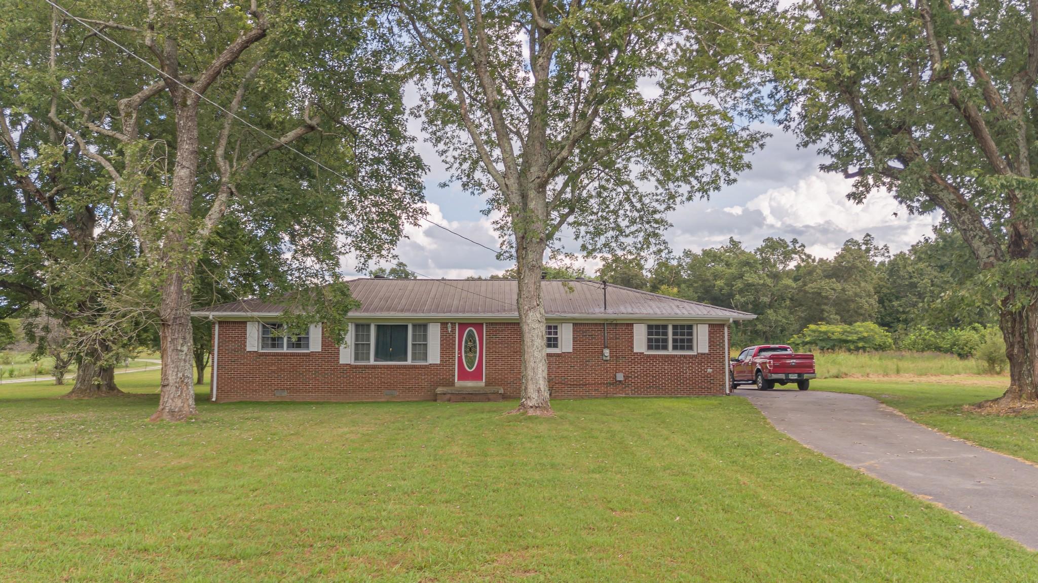 1024 Blue Creek Rd Property Photo 1