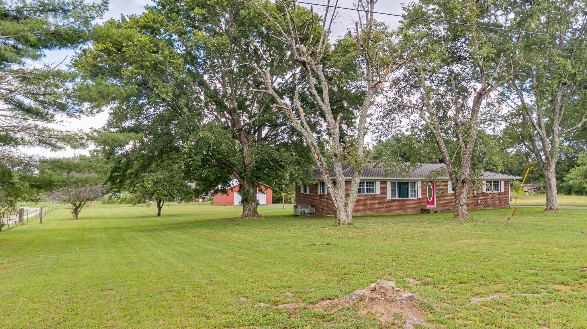 1024 Blue Creek Rd Property Photo 3