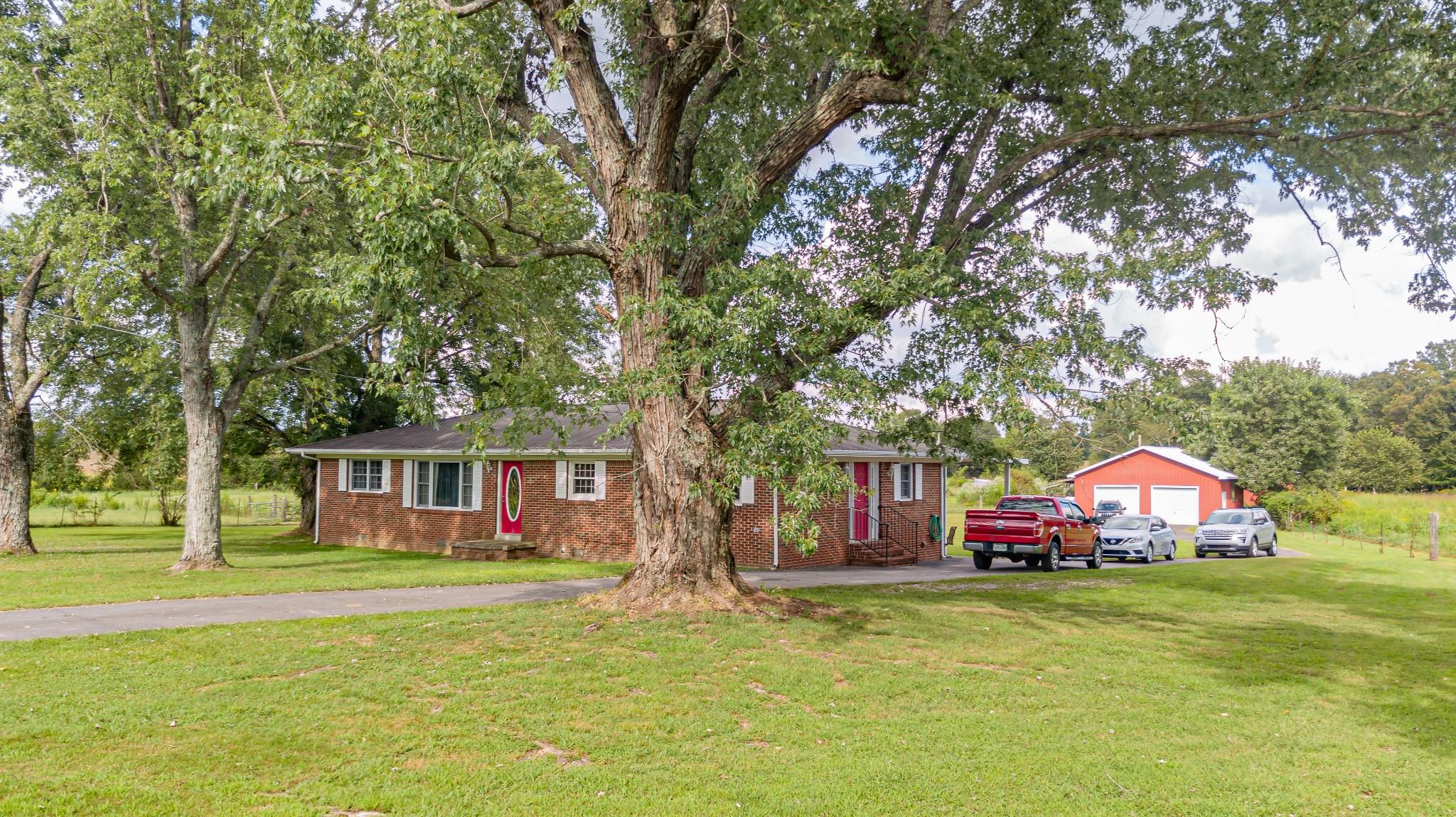 1024 Blue Creek Rd Property Photo 4