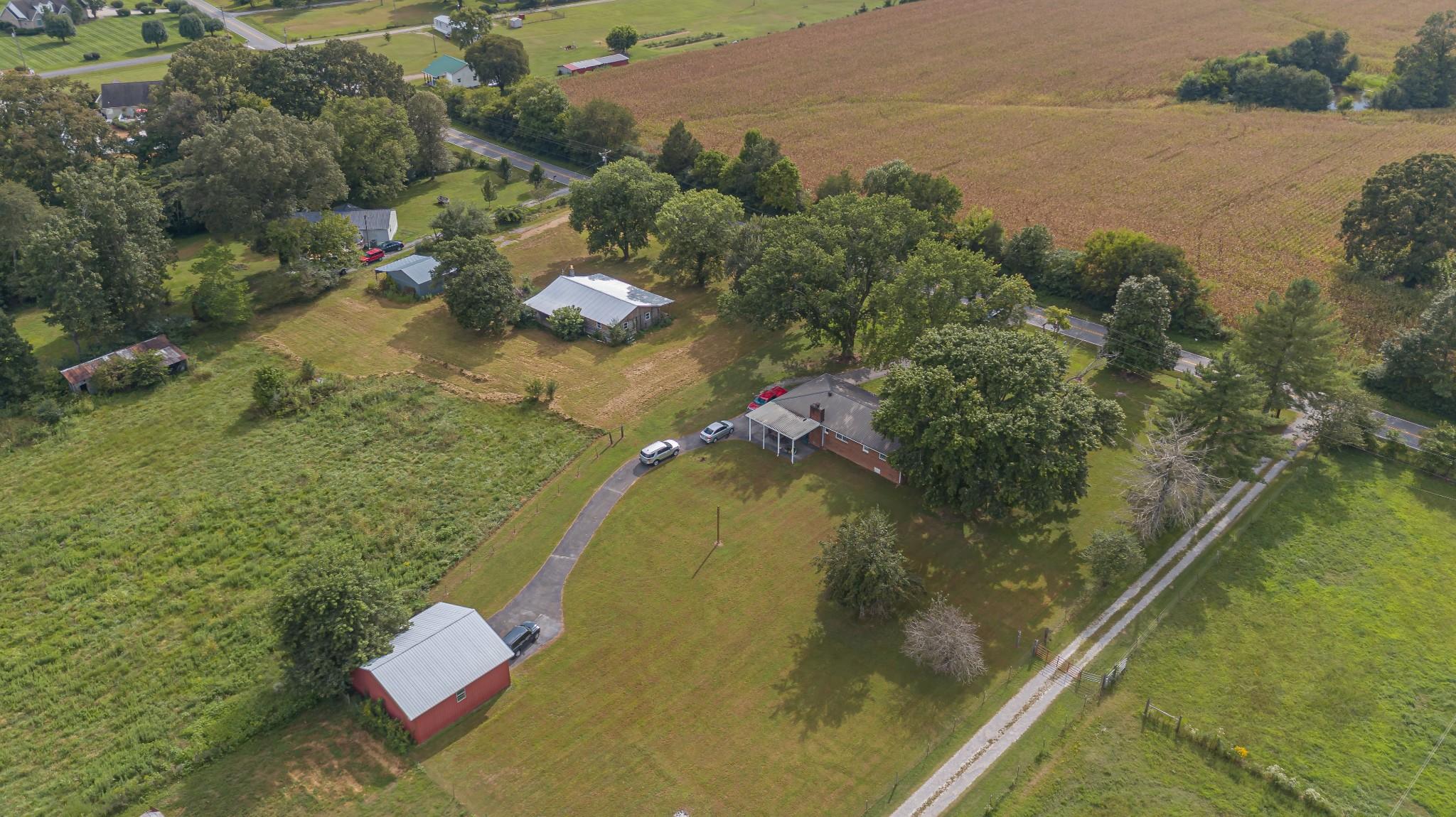 1024 Blue Creek Rd Property Photo 8
