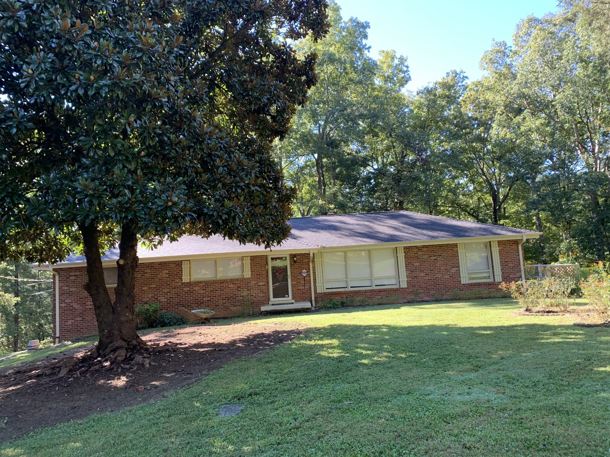 102 Bellwood Cir Property Photo 1