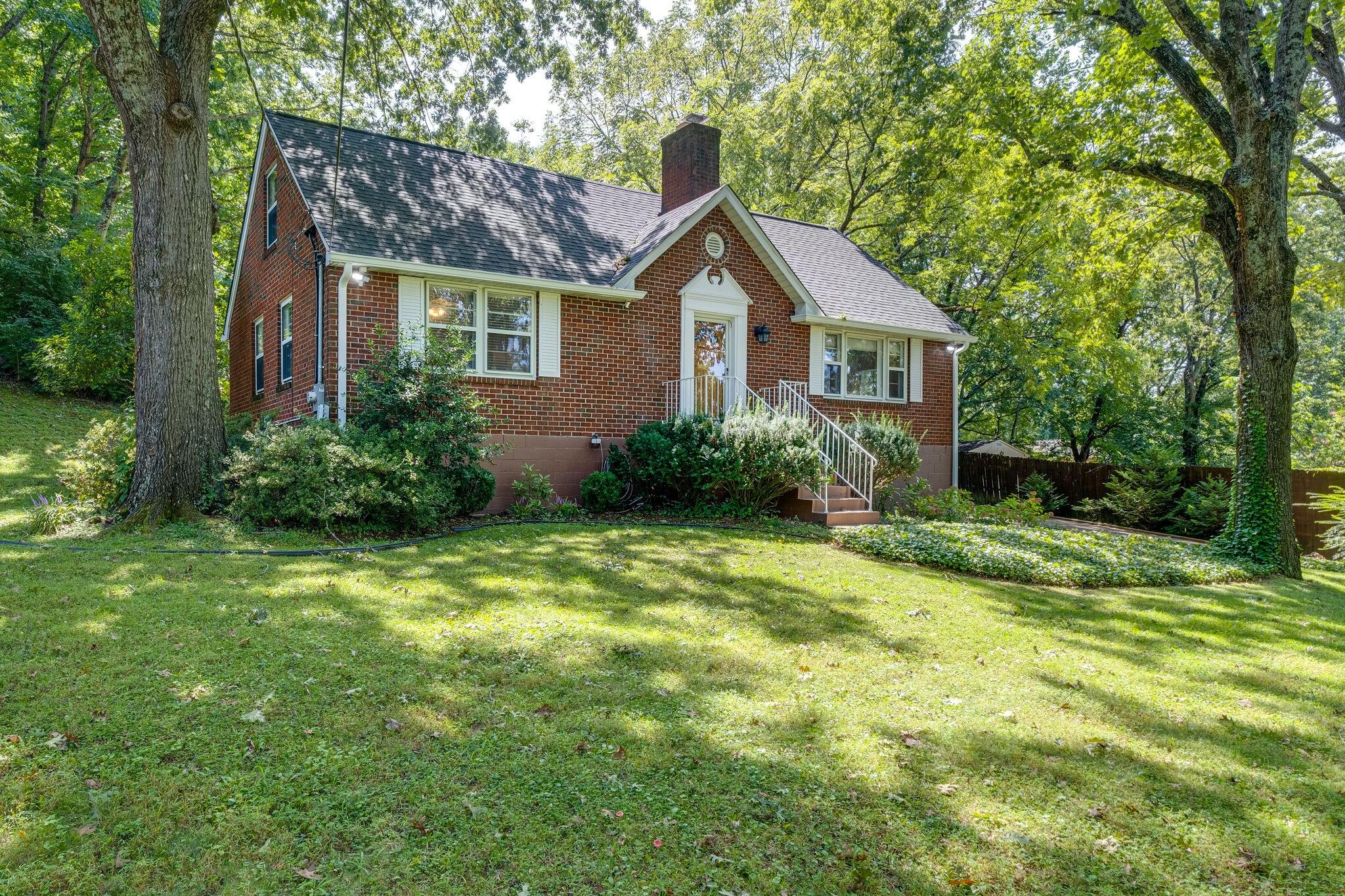 332 Pineway Dr Property Photo 3