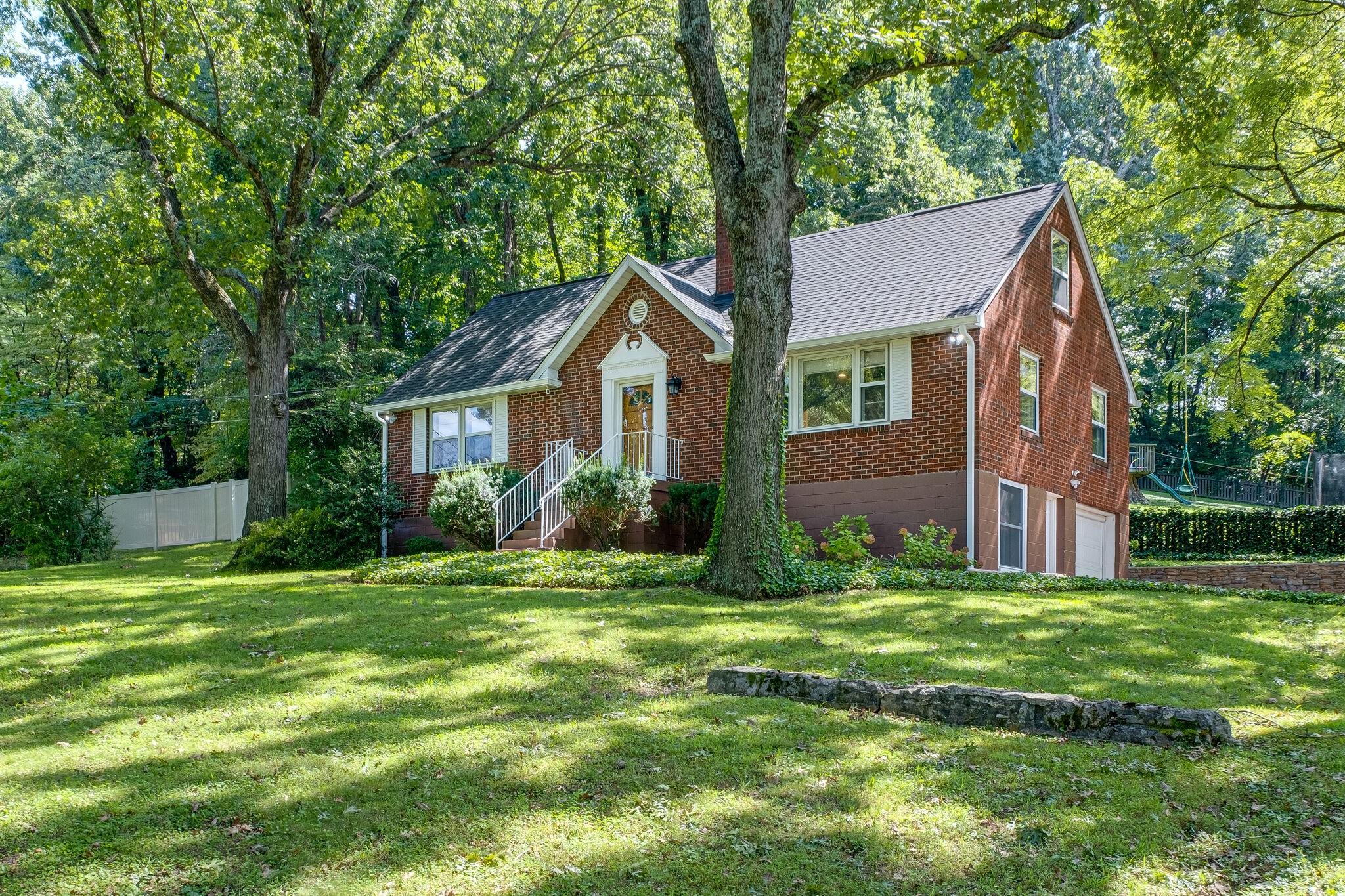 332 Pineway Dr Property Photo 4