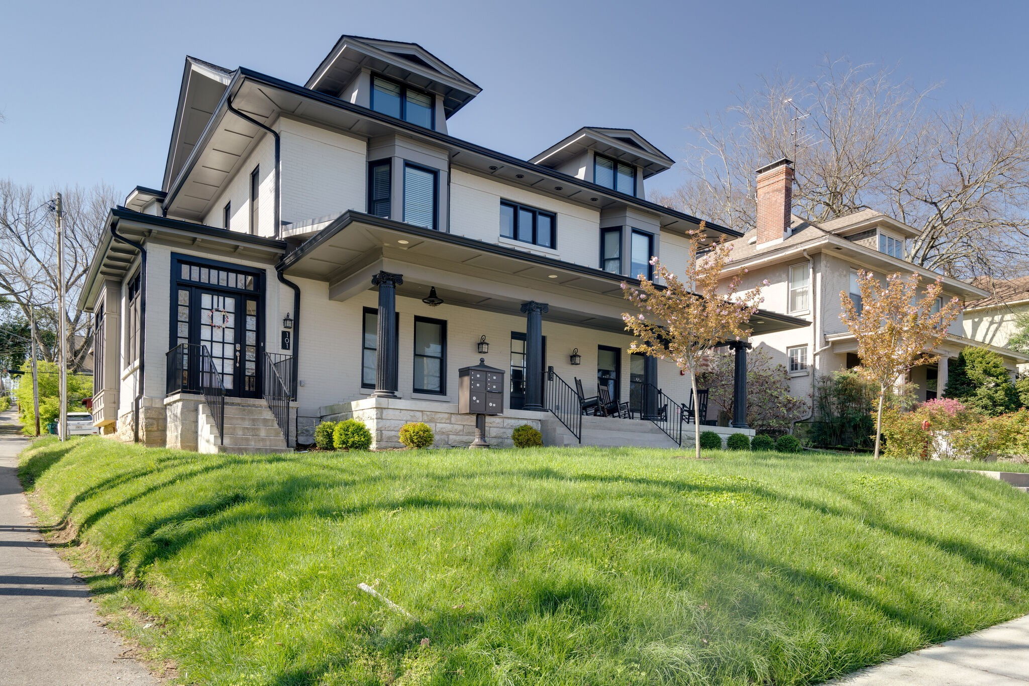 1707 Blair Blvd Property Photo 1