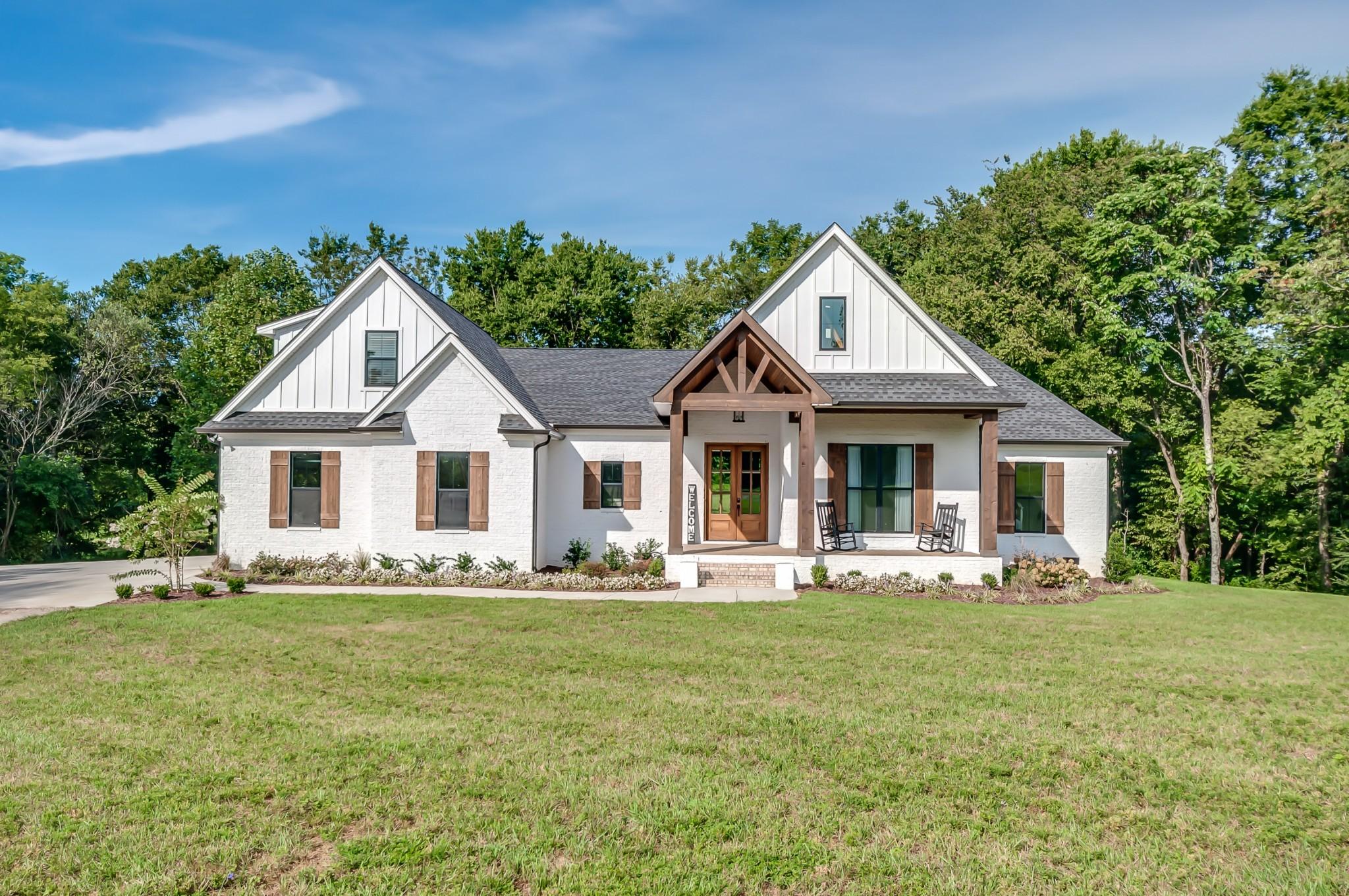 1401 Theta Pike Property Photo 1