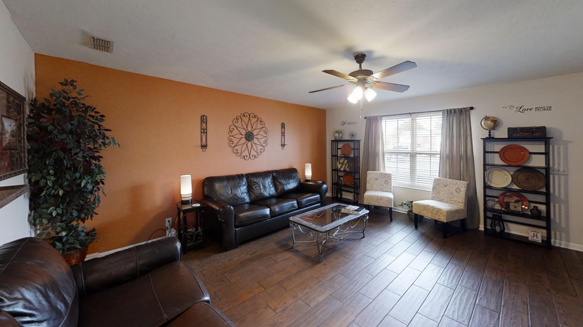 327 Shoshone Pl Property Picture 4