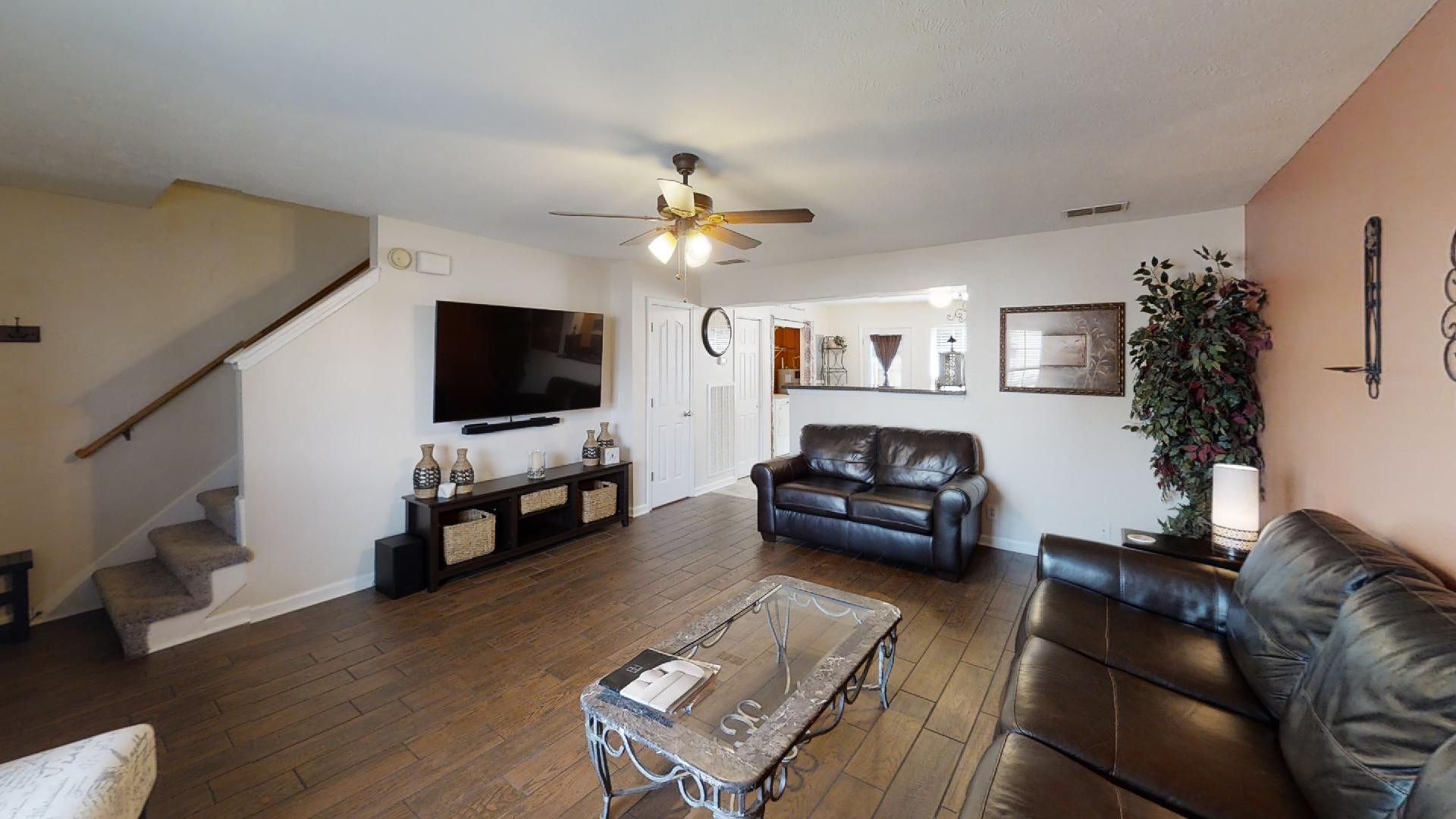 327 Shoshone Pl Property Picture 5