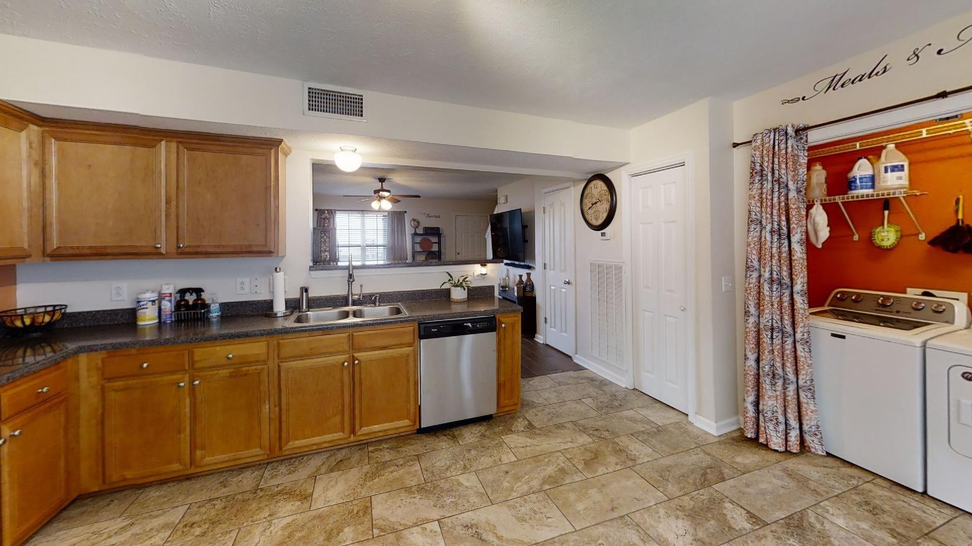 327 Shoshone Pl Property Picture 7