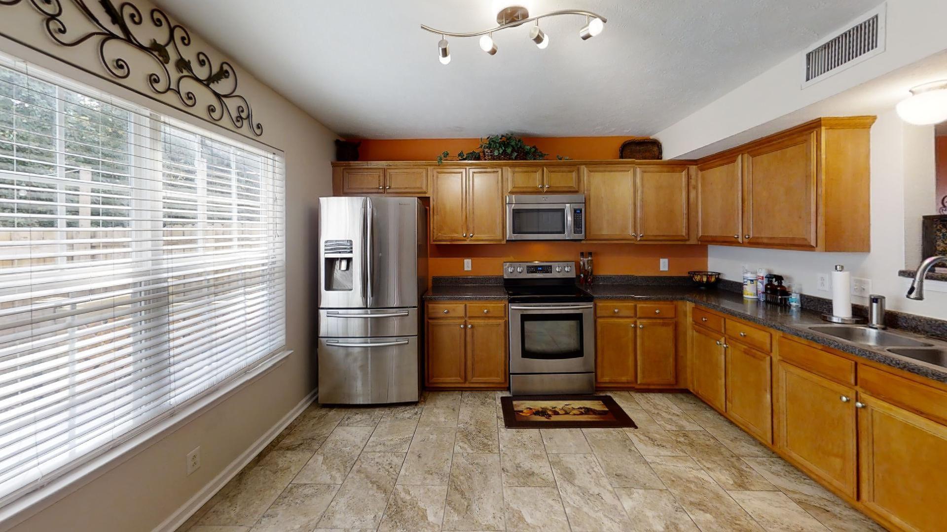 327 Shoshone Pl Property Picture 8