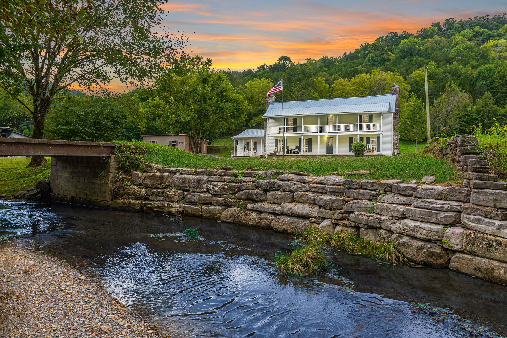 3425 Hurricane Creek Rd Property Photo 6