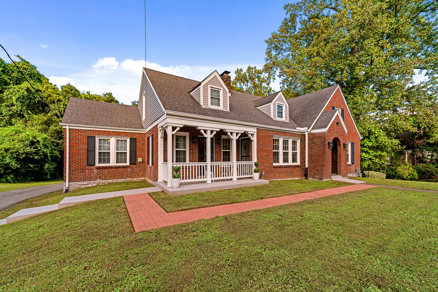 1307 Riverwood Dr Property Photo