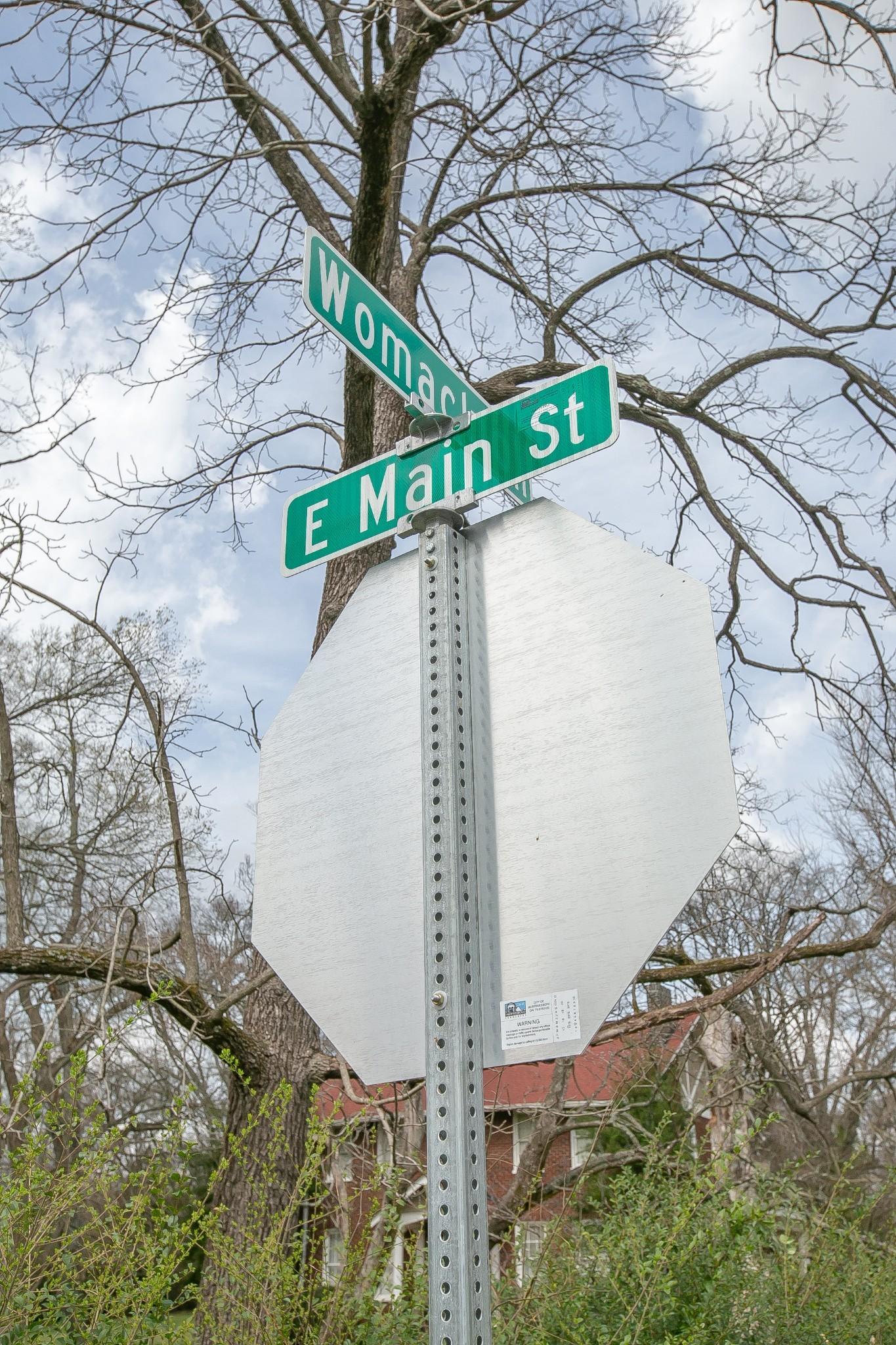 1629 East Main Street Property Photo