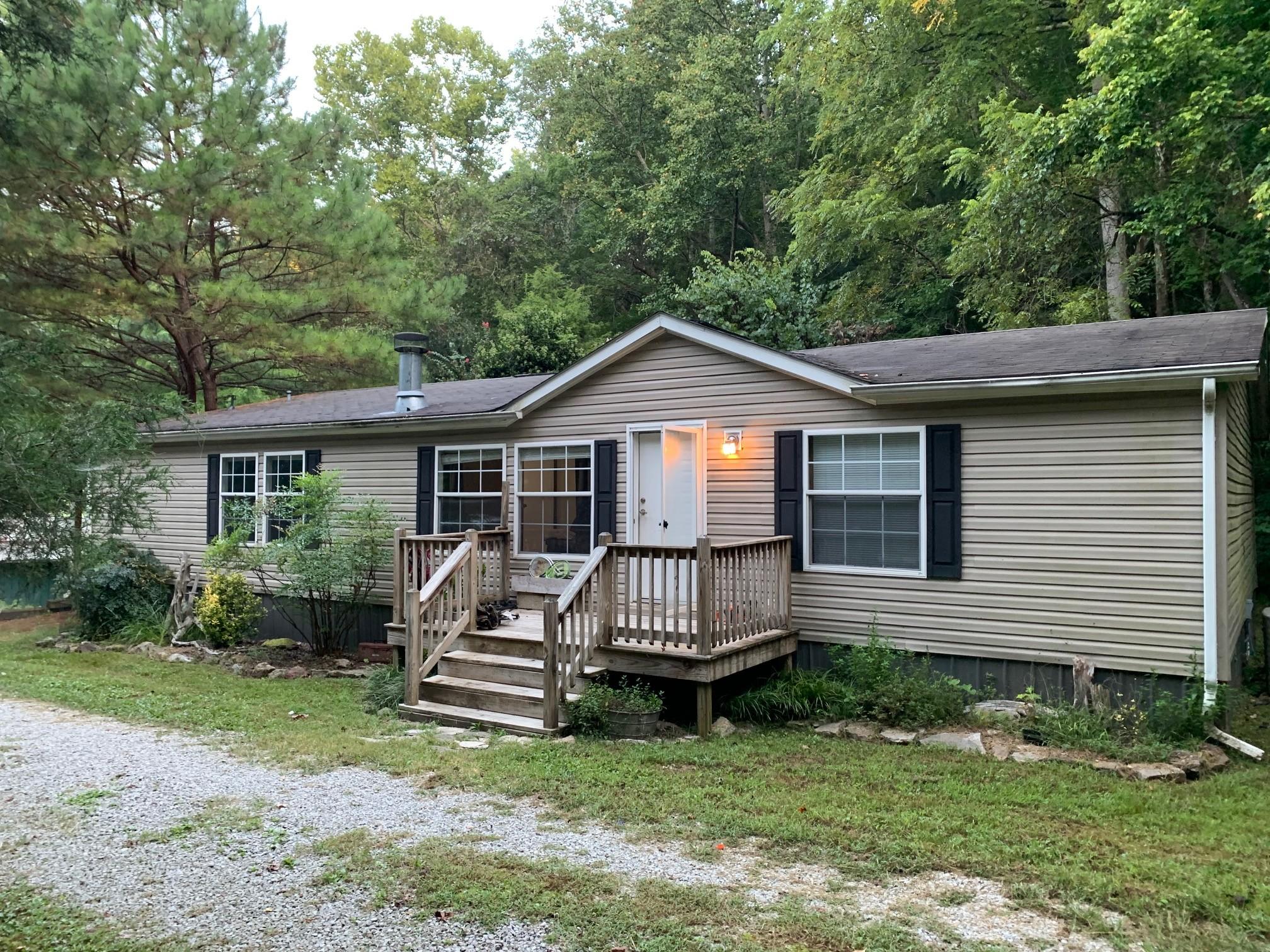 4722 Jones Hollow Rd Property Photo