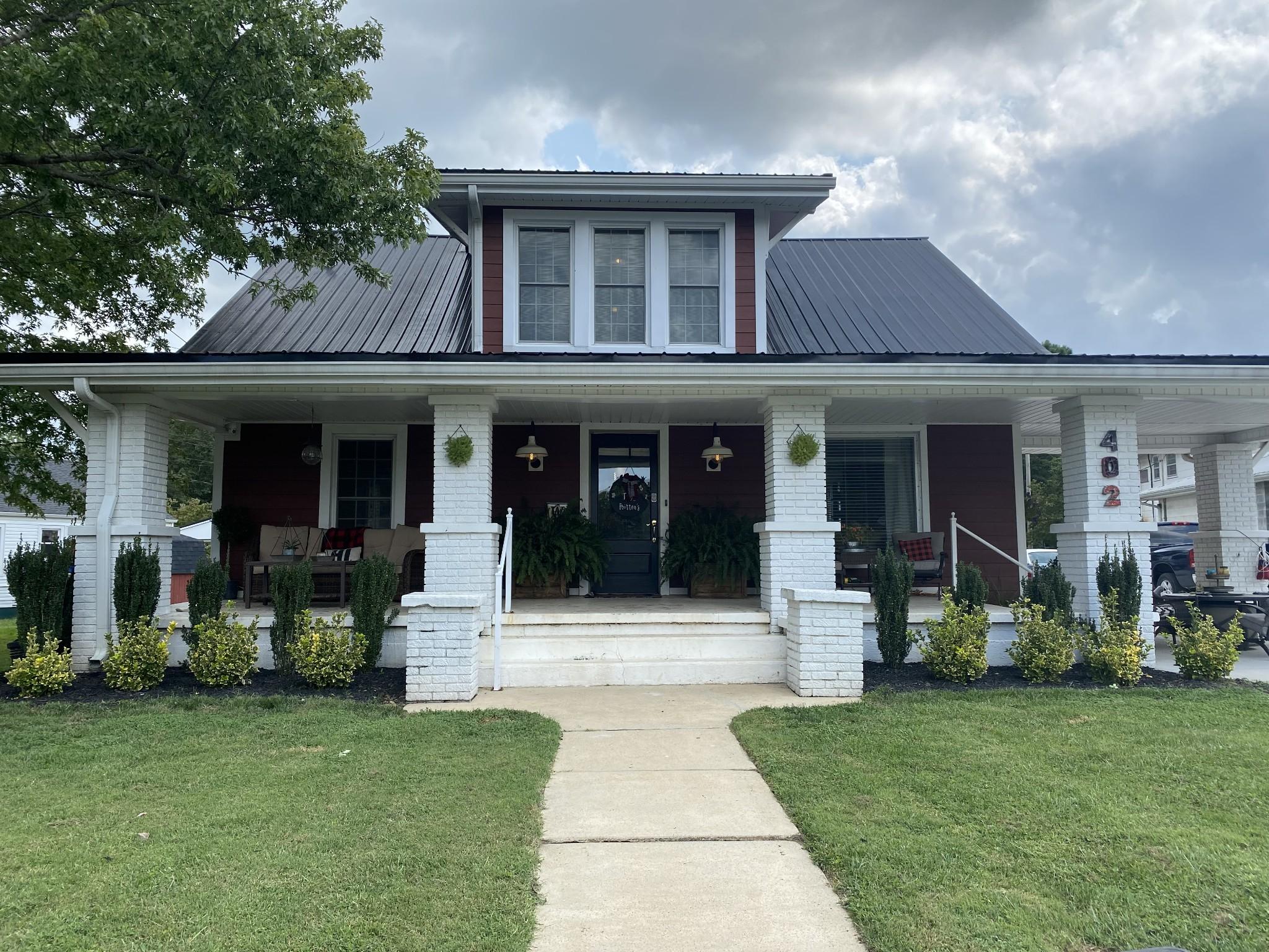 402 Montgomery St Property Photo