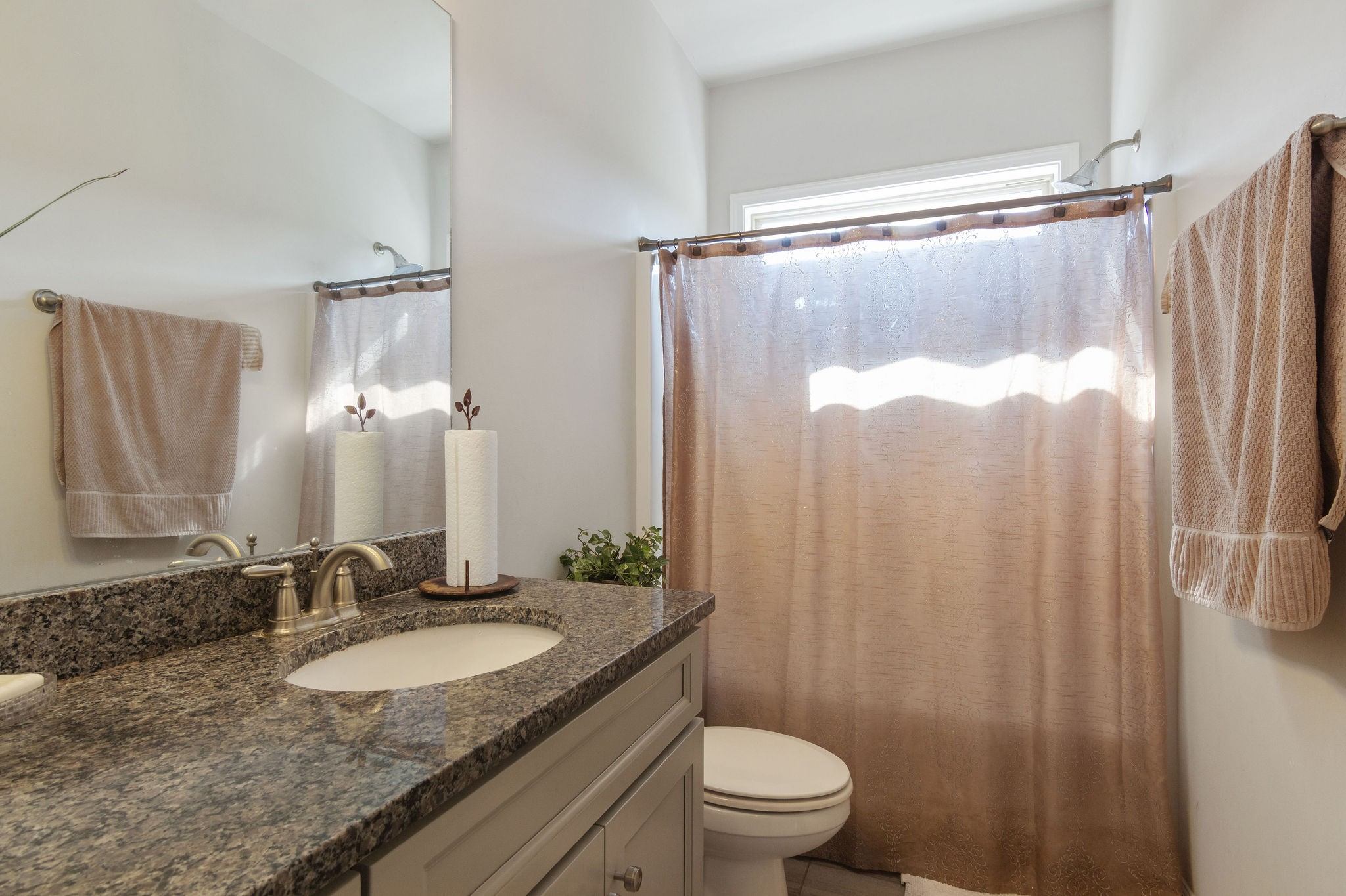 2444 Robin Court Property Picture 16