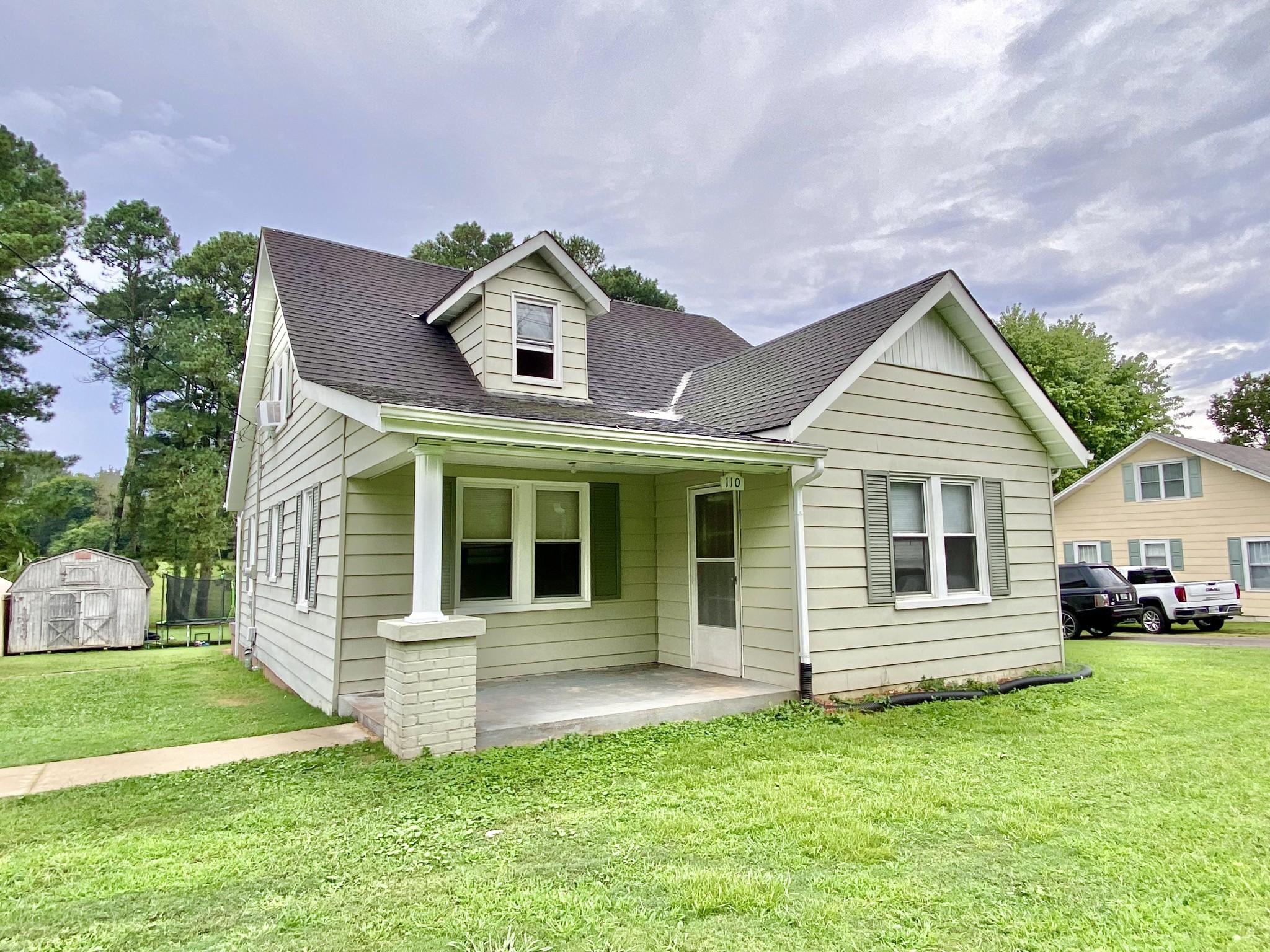 110 E Main St Property Photo