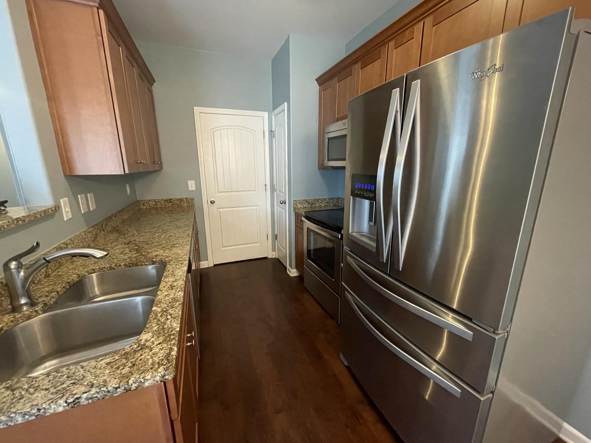 2205 Cason Ln Property Photo 5