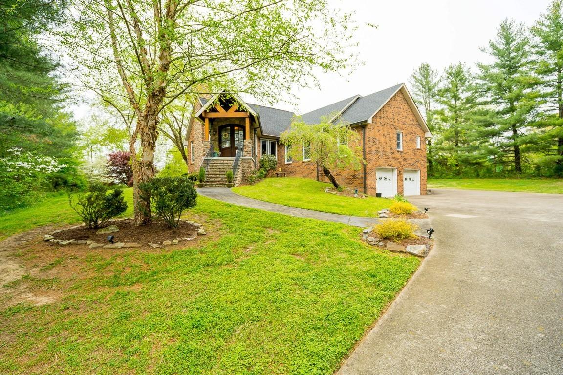 337 Peterson Ln Property Photo 1