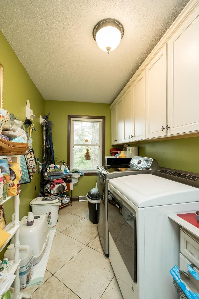 337 Peterson Ln Property Photo 28