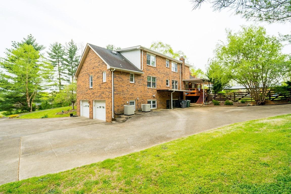 337 Peterson Ln Property Photo 38