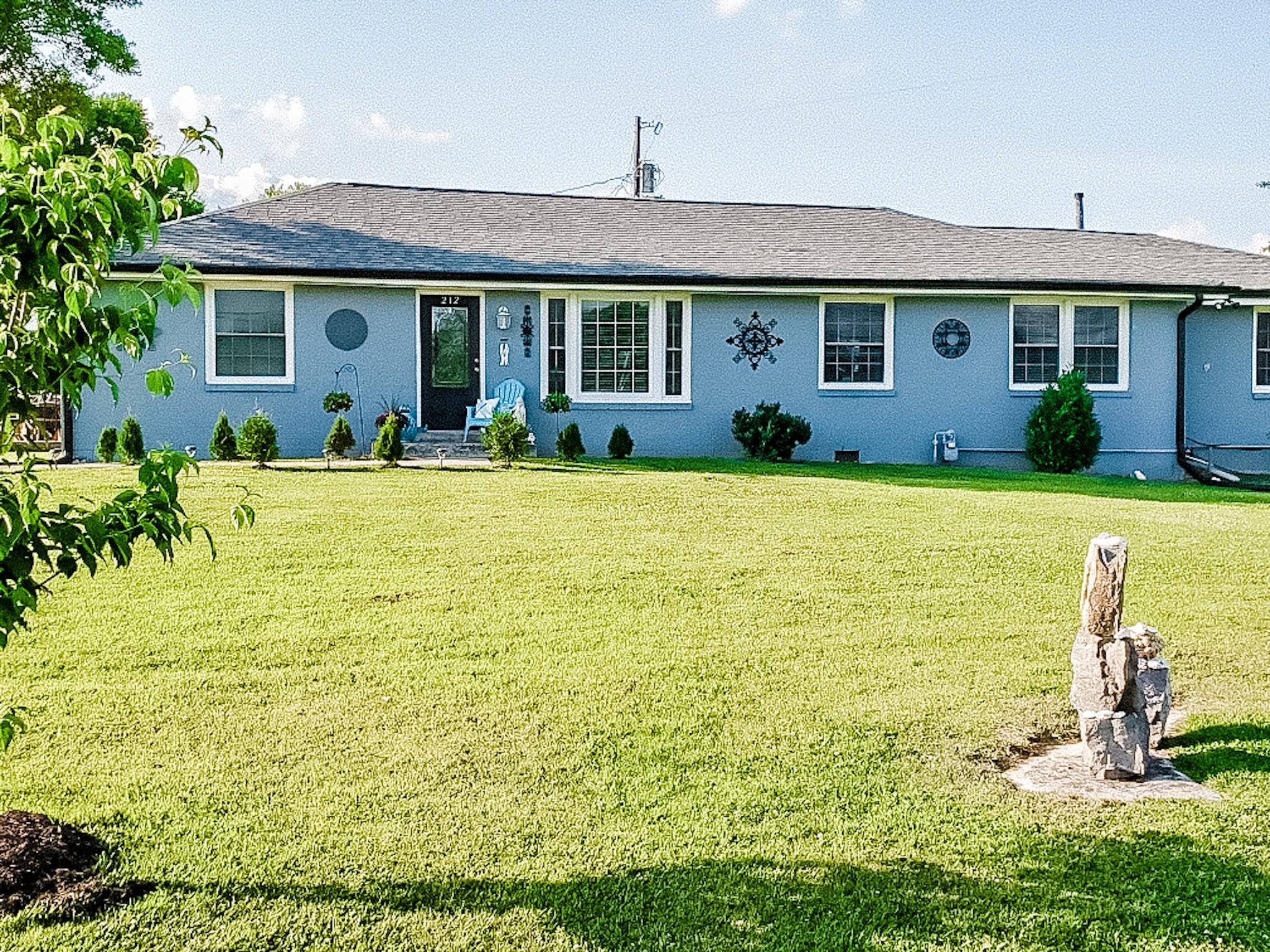 212 Murfreesboro Rd Property Photo