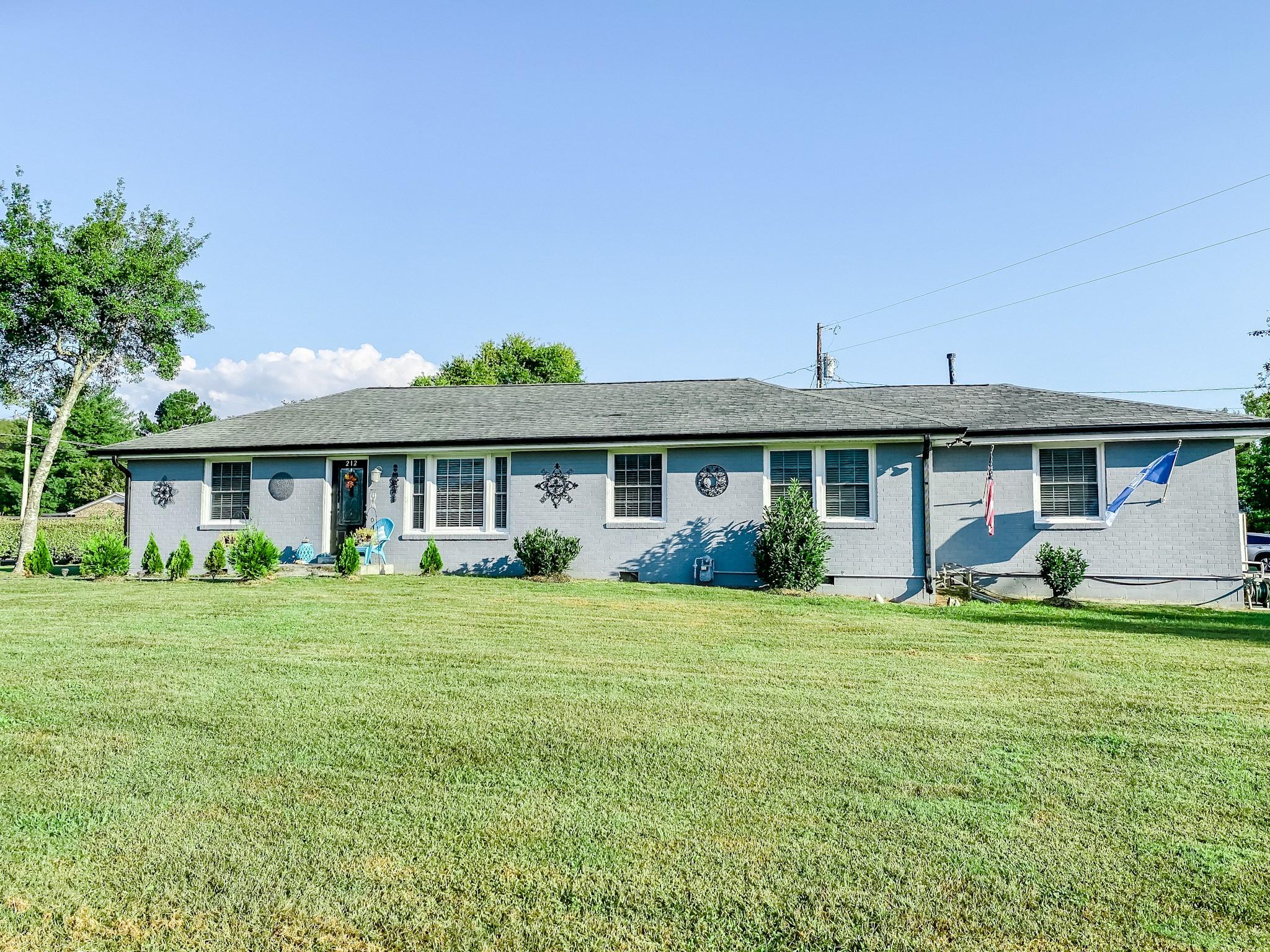 212 Murfreesboro Rd Property Photo 2