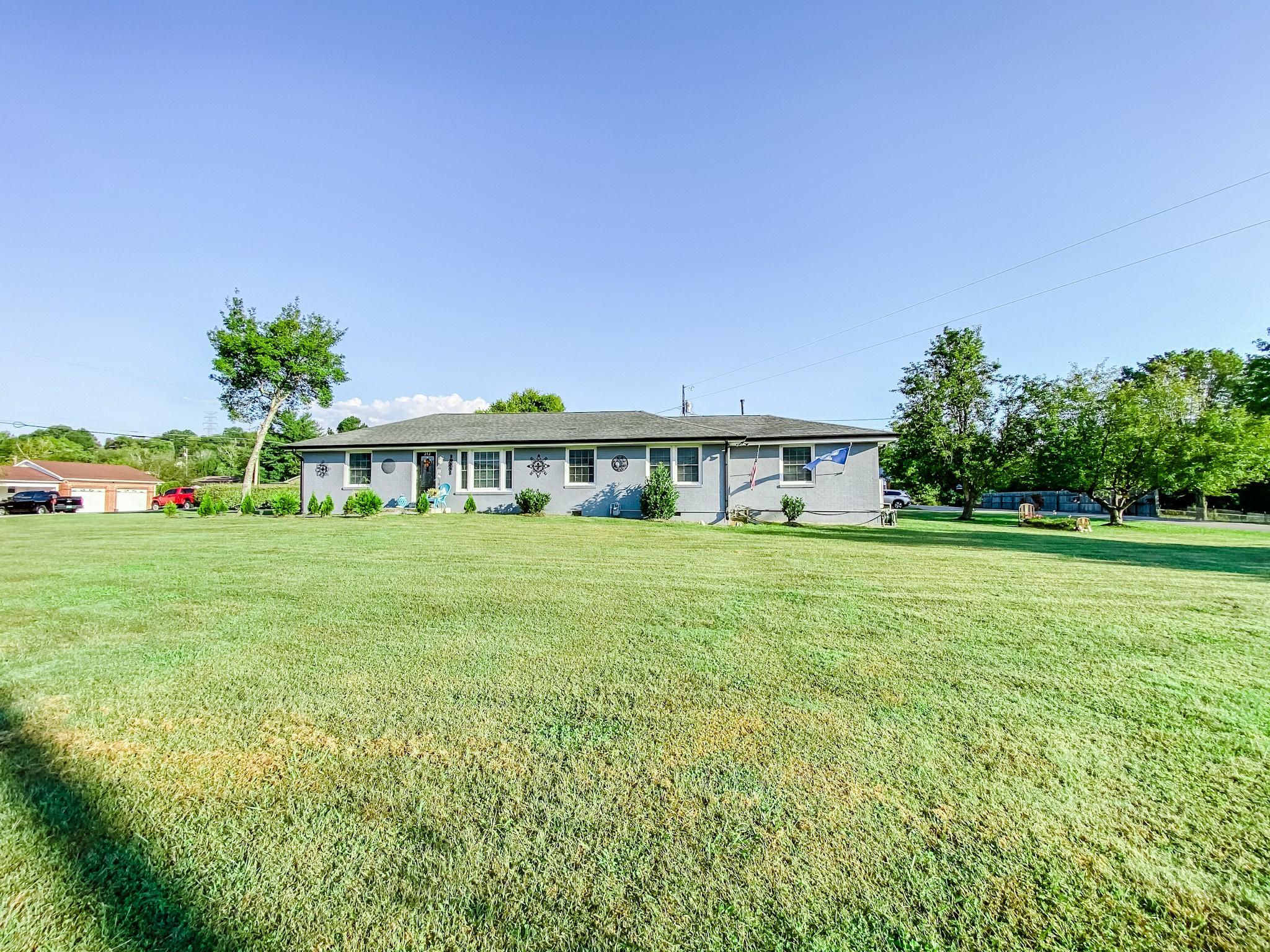 212 Murfreesboro Rd Property Photo 3