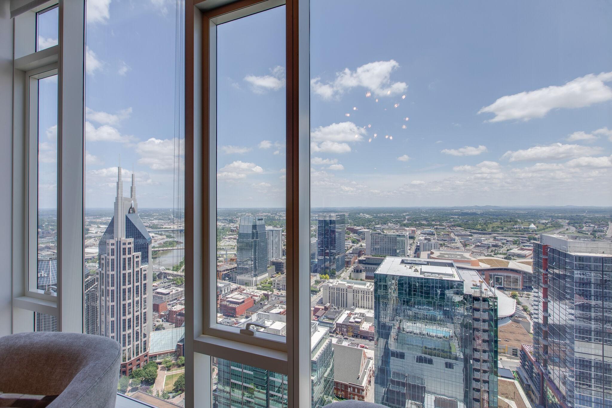 505 High Rise Condominium Real Estate Listings Main Image