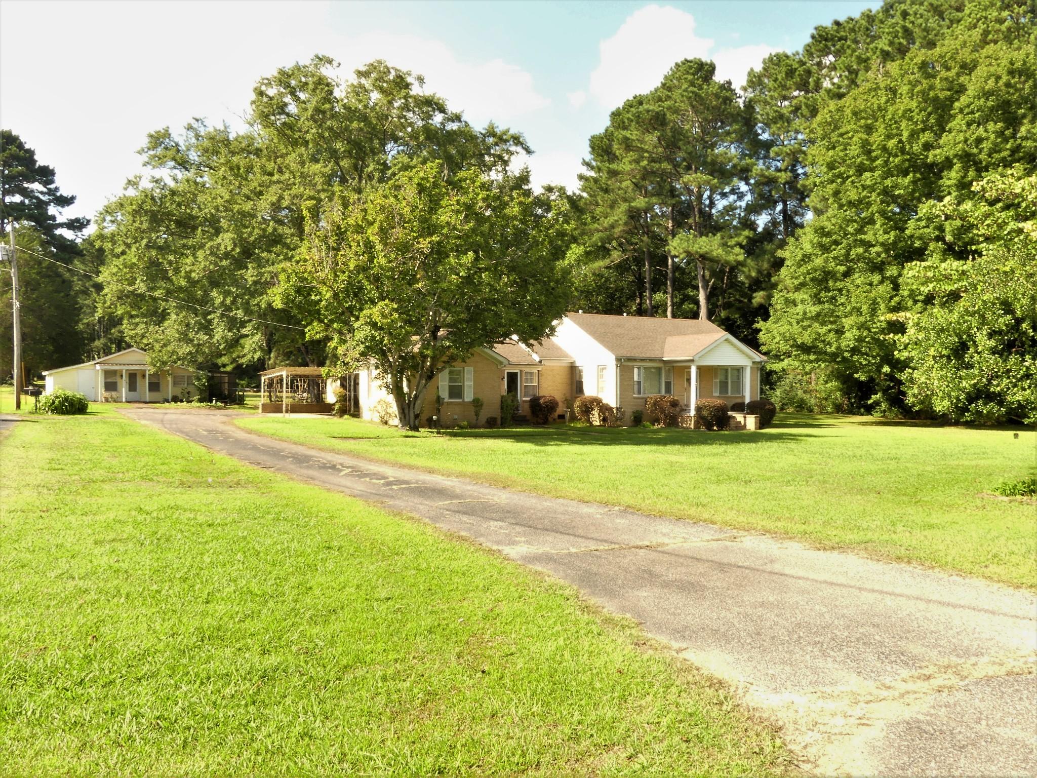 865 Clifton Rd Property Photo