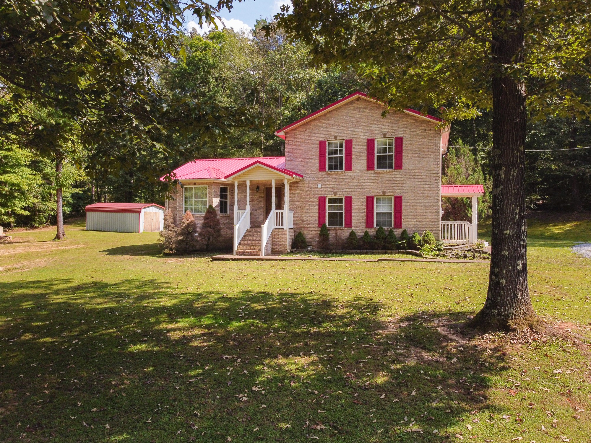 6708 Pinewood Rd Property Photo