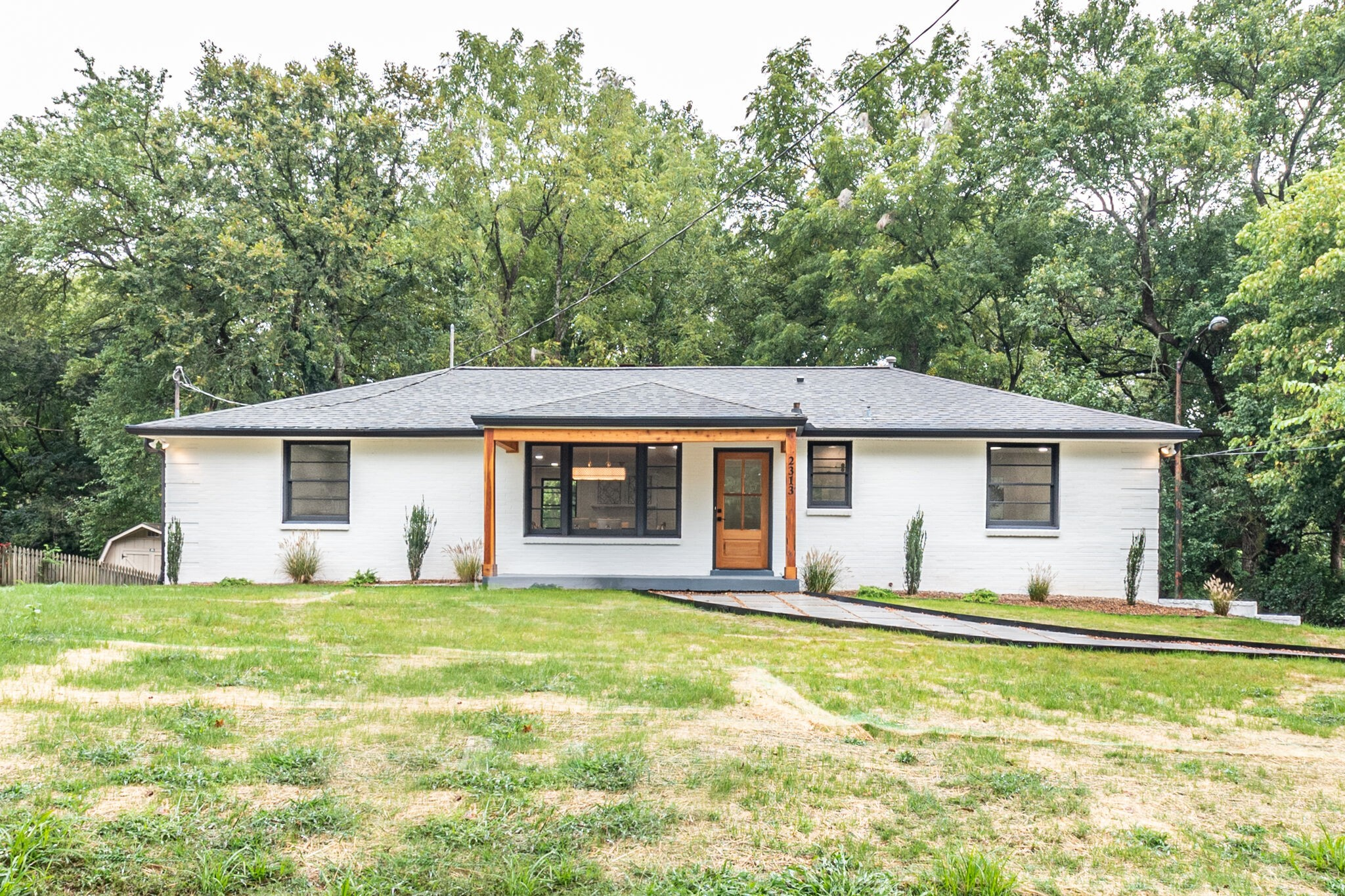 2313 Castlewood Dr Property Photo