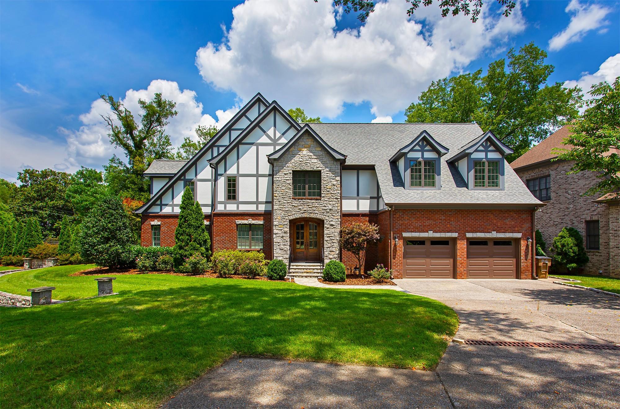 2700 Wortham Ave Property Photo 1