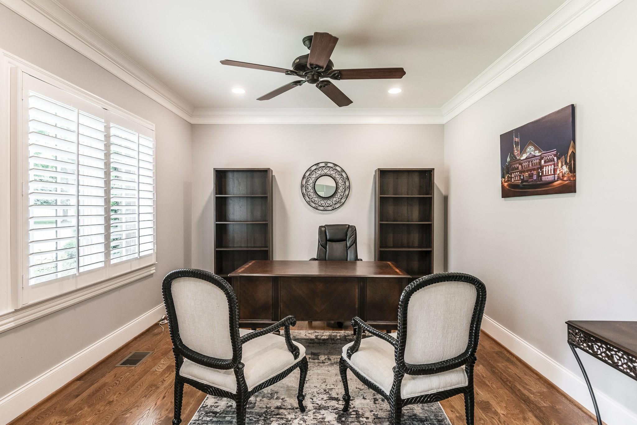 2700 Wortham Ave Property Photo 3